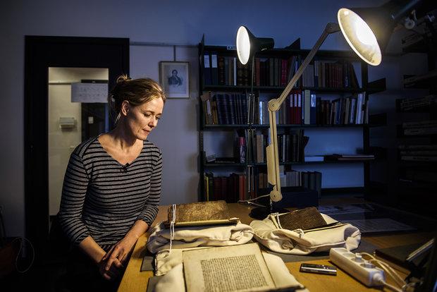 Oldtidssagaer: Asmund lod øksen springe på hendes hals